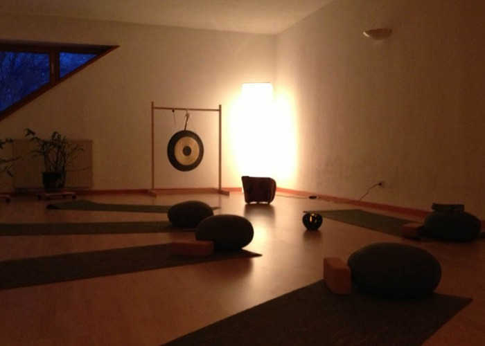 YogaMeditation-700x500 in der Raum